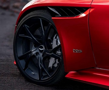 aston-martin-dbs-superleggera-6.jpg