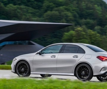 2019-mercedes-benz-a-class-sedan (7).jpg