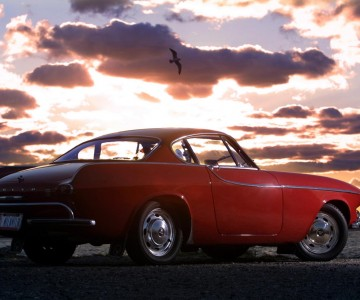 2013.volvo.p1800.world.record.3m.miles.irv.gordon.jpg
