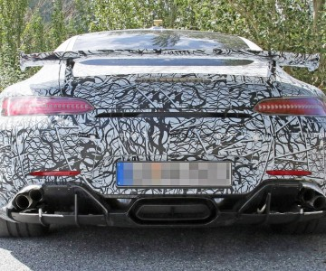 mercedes-amg-gt-r-with-new-exhaust-spy-photo.jpg