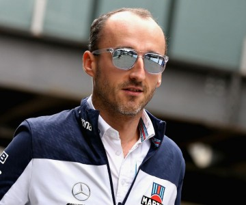 robert_kubica_williams_f1_team_gettyimages-1059493278.jpg